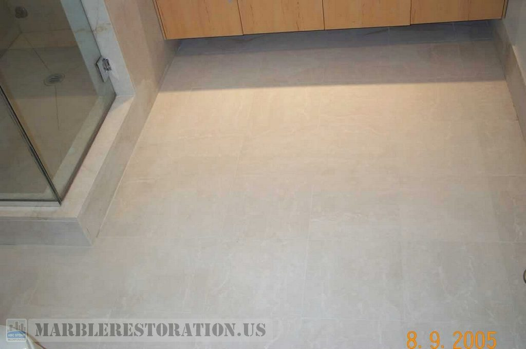 Tiled Bathroom Floor with Bone Grout Color