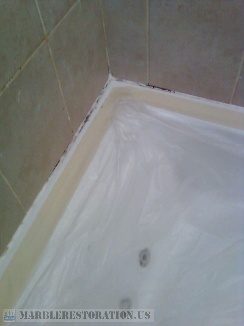 Mildew on Tub Caulk Before